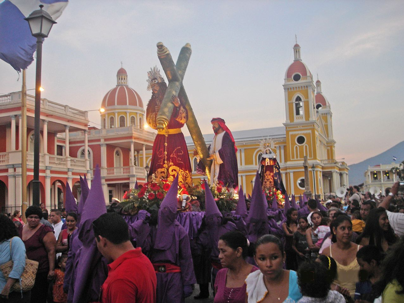 Discover the wonders of Holy Week in Granada.